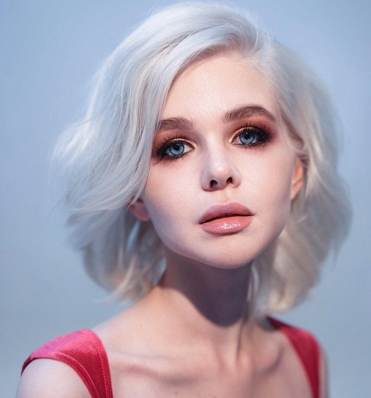 cortes-de-pelo-mujer-2019-cabello-rubio-rizado