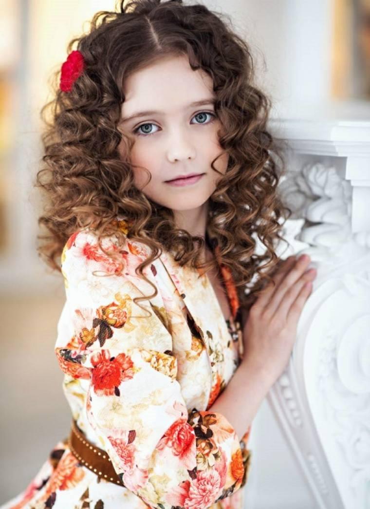 cortes de pelo niñas 2019 cabello-corto-rizado