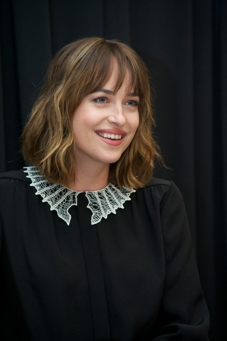 dakota-johnson-actriz-cabello-flequillo-ideas