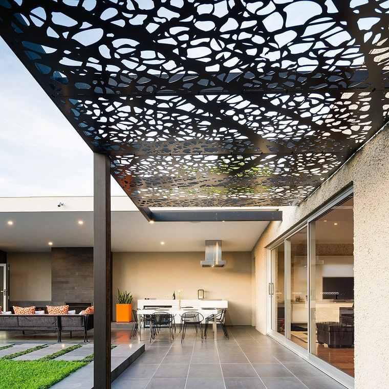 jardin-moderno-diseno-2019-pergola-color-negro