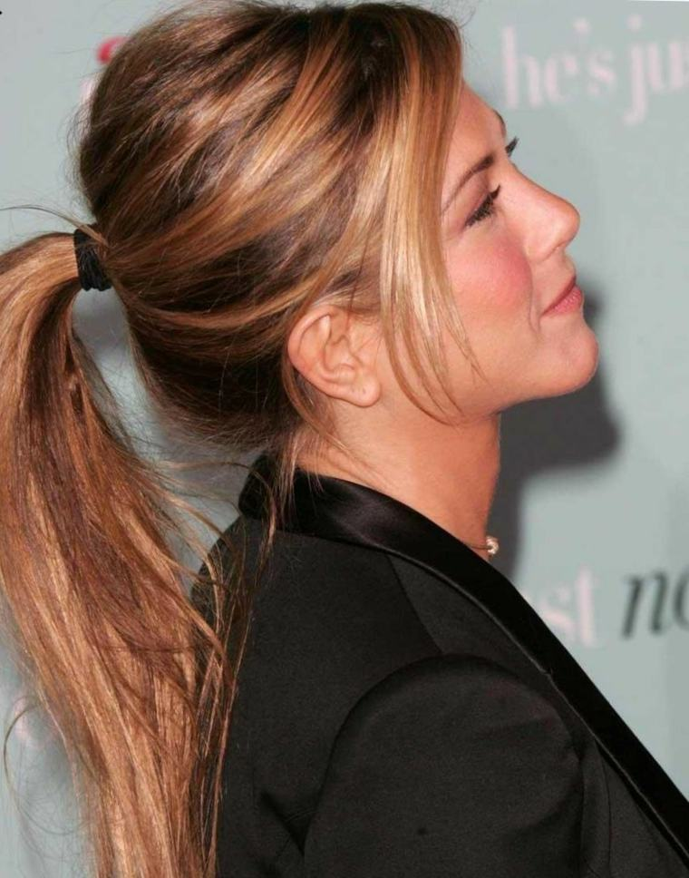jennifer-aniston-cabello-recogido-cola-ideas