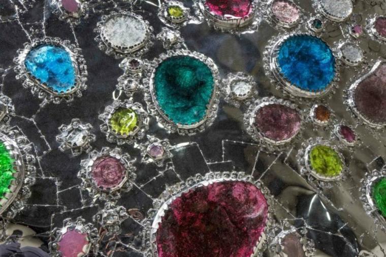 mesa de café estrella-con-joyas