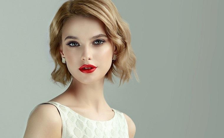 mujer-cabello-corto-estilo-ideas-2019