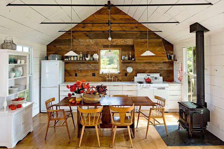 pared madera en la cocina