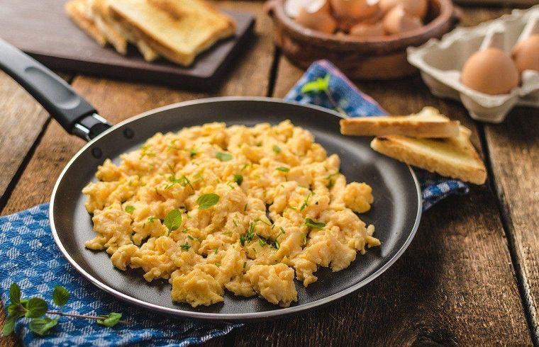 recetas-san-valentin-opciones-huevos-revueltos
