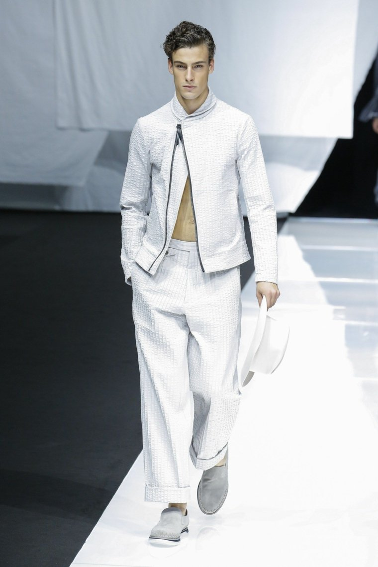 tendencias-2019-moda-Giorgio-Armani-color-blanco