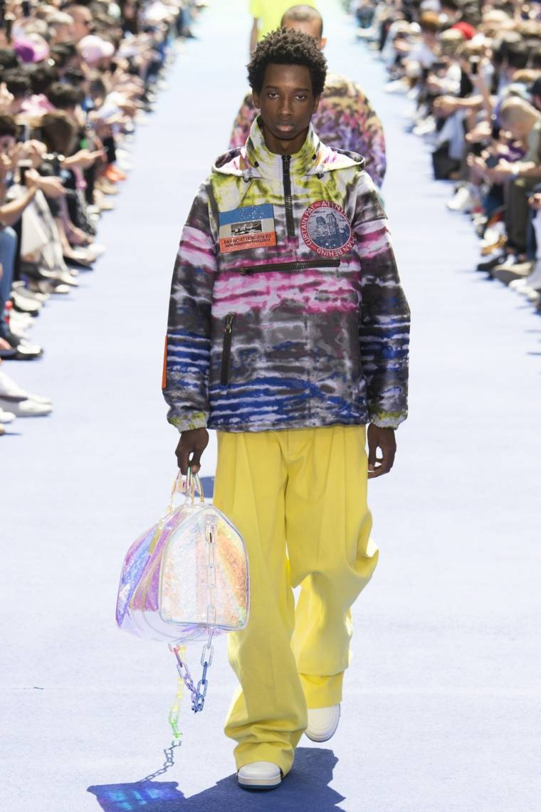 tendencias-2019-moda-Louis-Vuitton-pantalon-amarillo