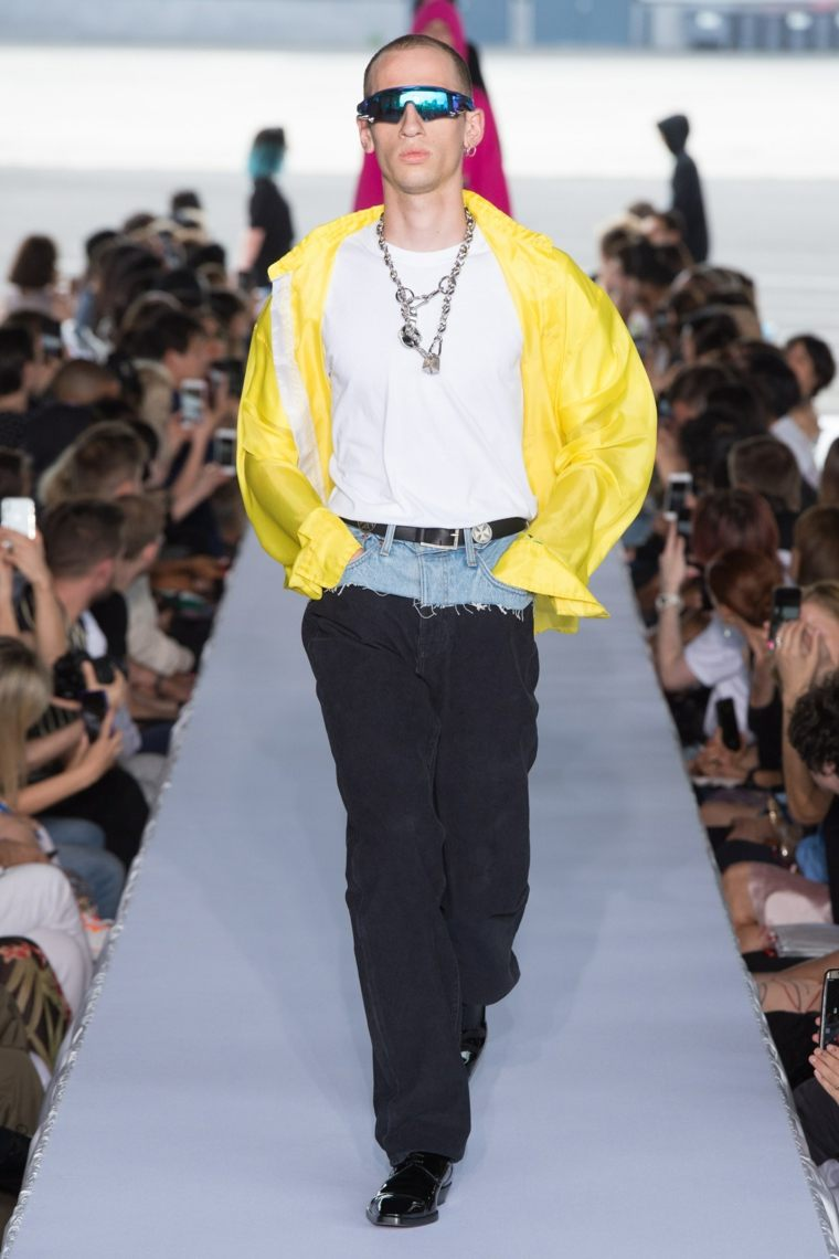 tendencias-2019-moda-Vetements-primavera