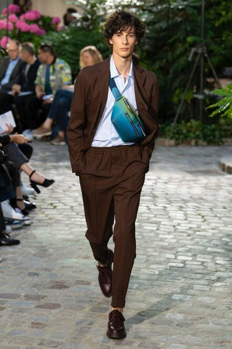 tendencias-2019-moda-hombre-hermes-pasarela