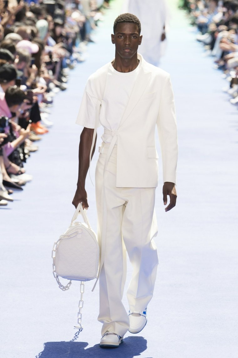 tendencias-2019-moda-masculina-Louis-Vuitton-blanco