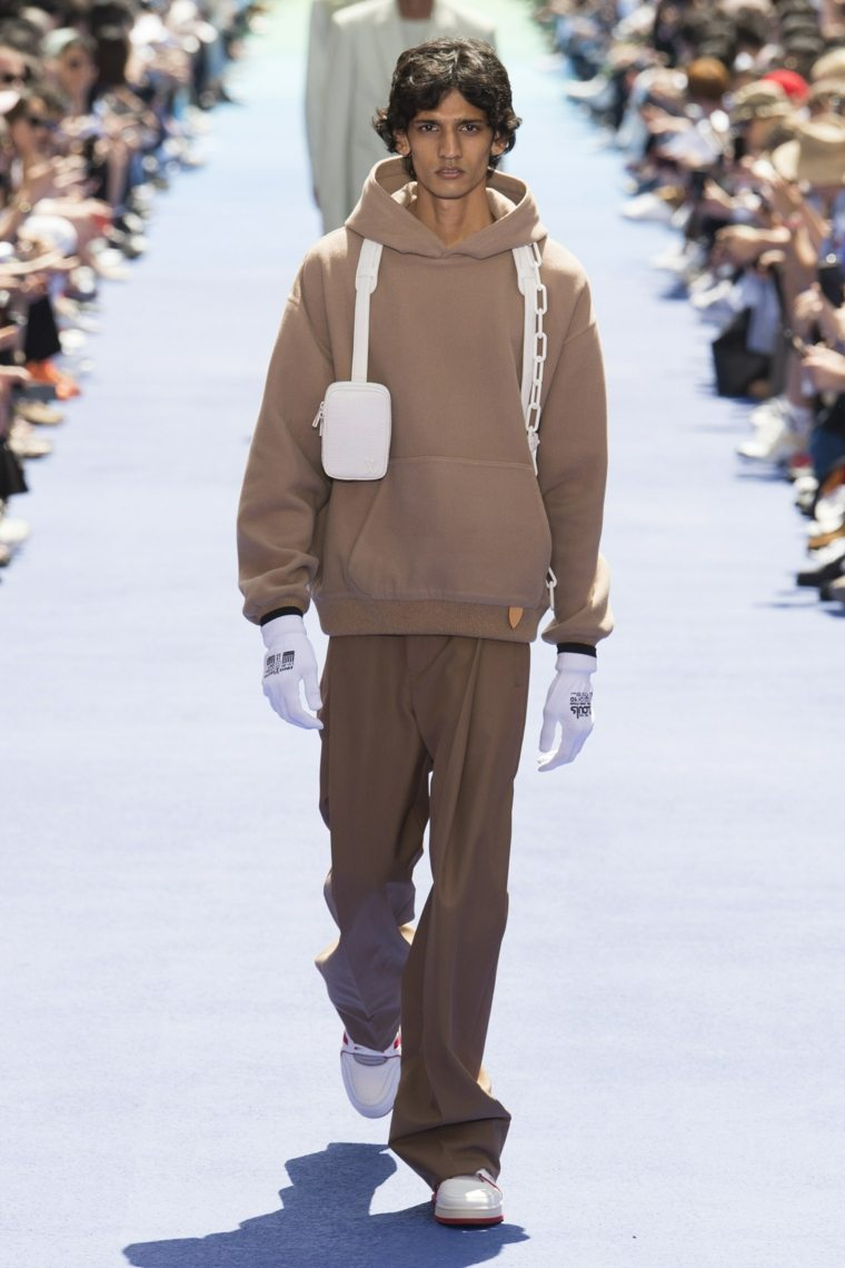 tendencias-2019-moda-masculina-Louis-Vuitton-color-beige