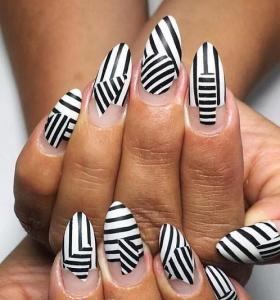 unas-decoradas-blanco-negro-estilo