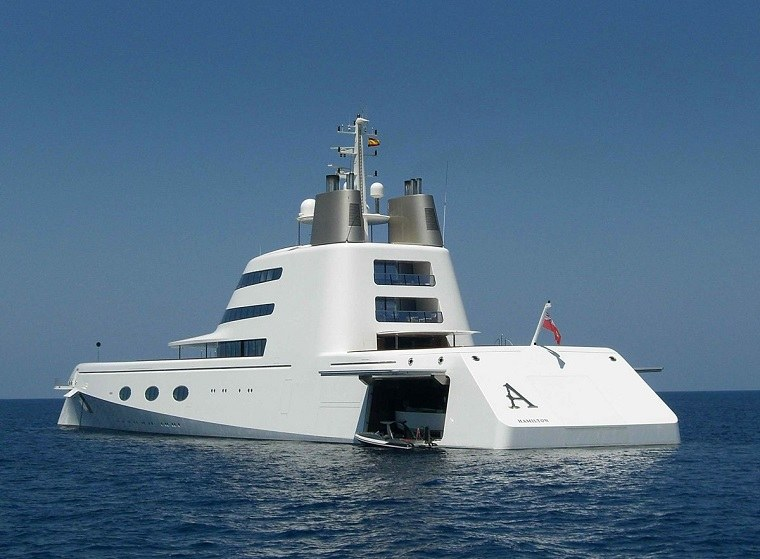 yates-lujo-superyacht-a-caros-ideas