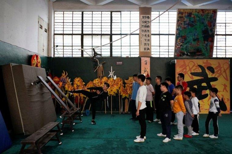 artes marciales niños entrenando