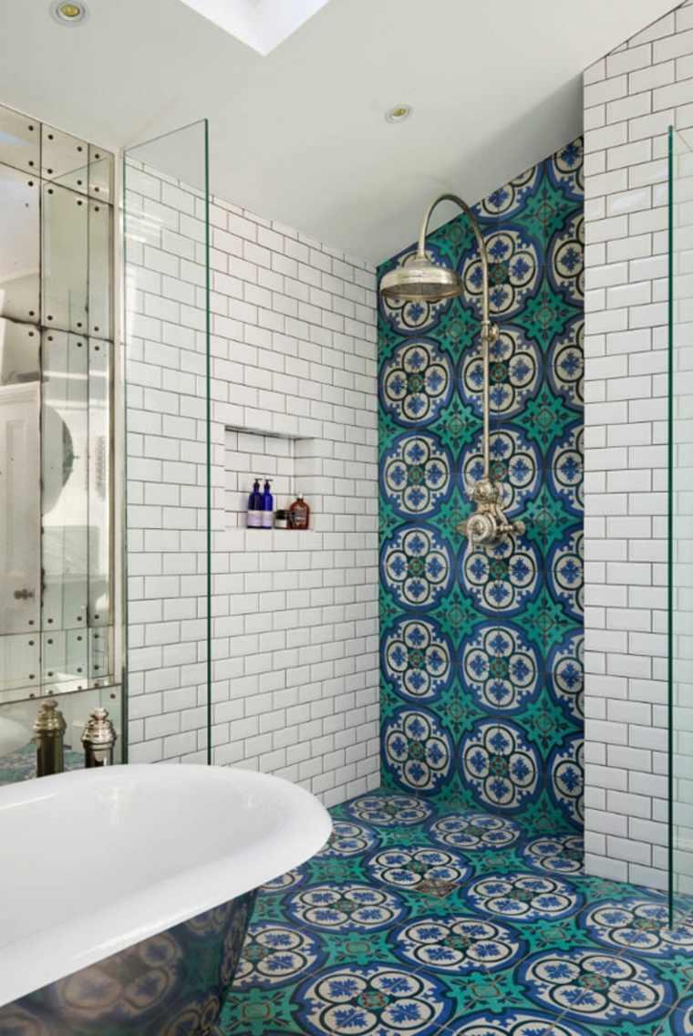 Azulejos de baño con patrones gráficos de tipo rústico