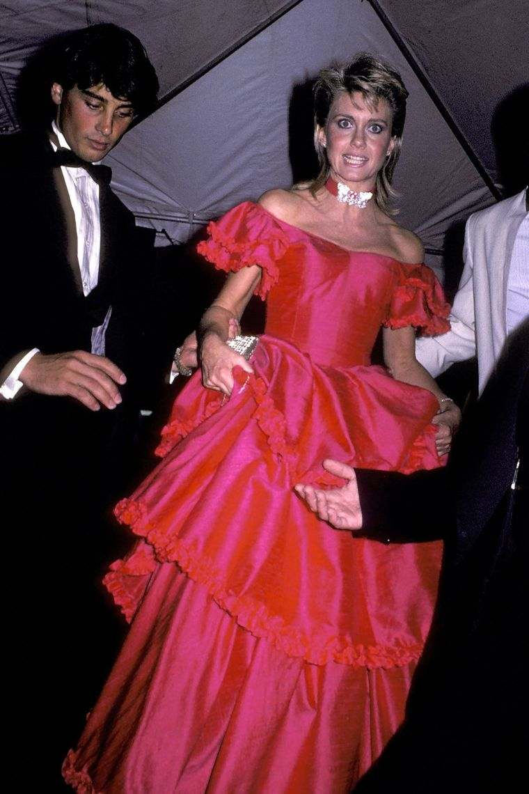 ceremonia-grammy-awards-olivia-newton-john