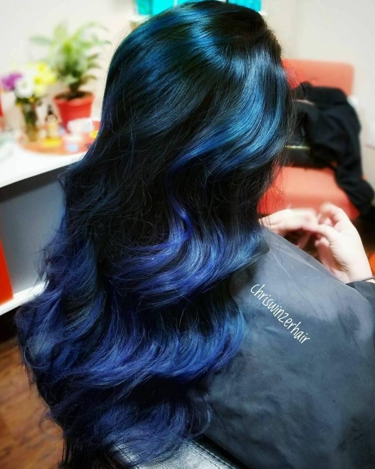 colores-de-cabello-negro-azul