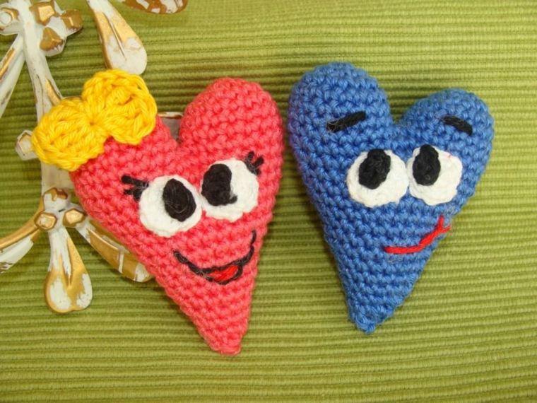 corazones tejidos-para-decorar