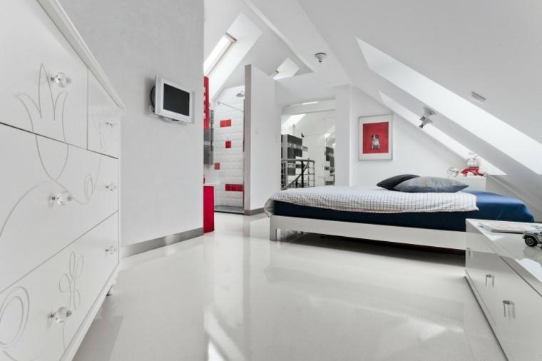 decoración ático dormitorio con muebles blancos
