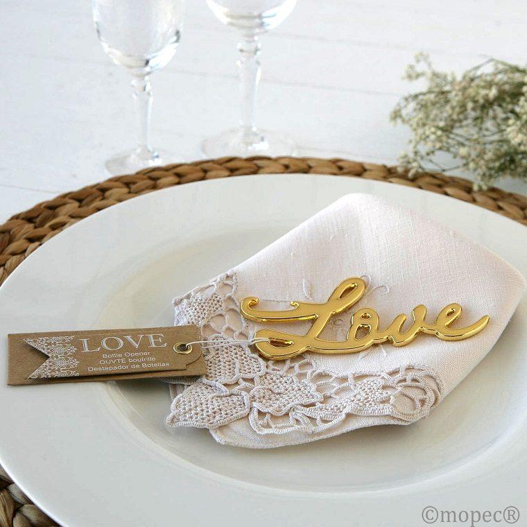 detalles de boda-invitados-abridores-botellas-amor