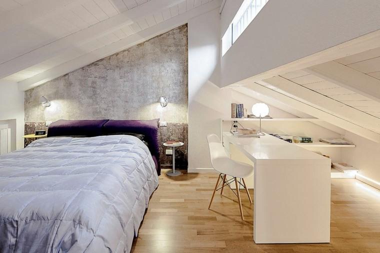 dormitorio con oficina en el ático