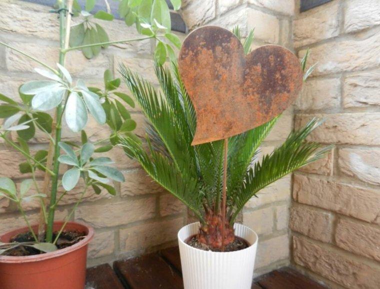 maceta-decorada-con-corazón