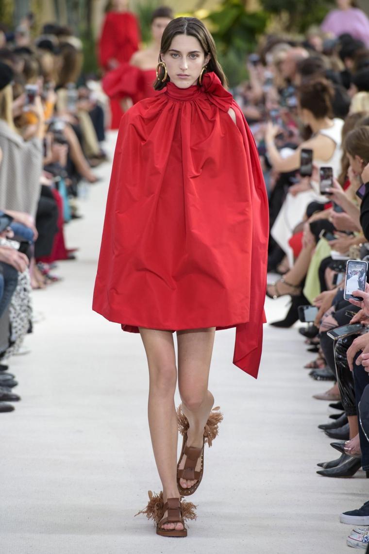 moda-primavera-verano-2019-valentino-mujer
