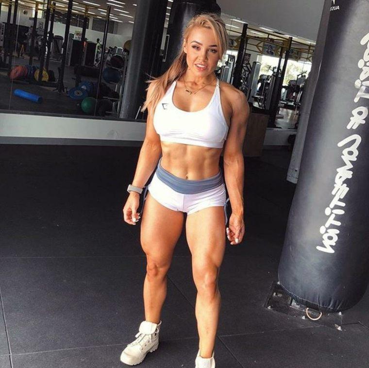 modelo fitness Stephanie Sanzo