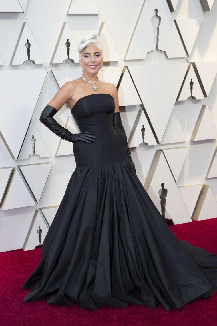 oscars-2019-Lady-Gaga-Alexander-McQueen-Tiffany