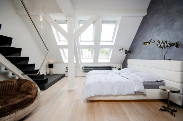 pared gris en el dormitorio