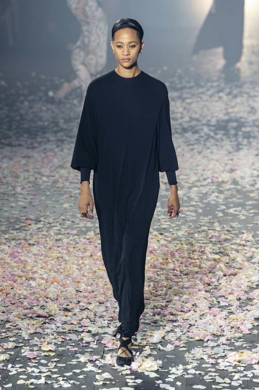 tendencias-primavera-verano-2019-diseno-Dior-pasarela-moda