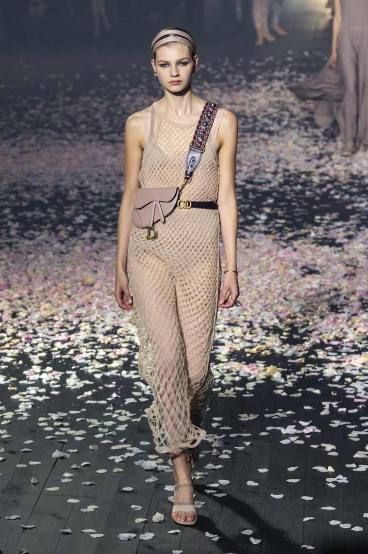 tendencias-primavera-verano-2019-diseno-Dior-ropa-moda