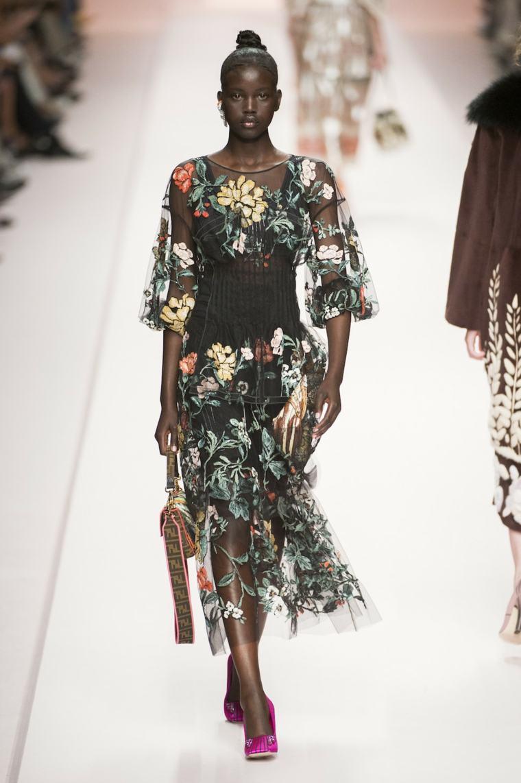 tendencias-primavera-verano-2019-diseno-Fendi-coleccion-moda