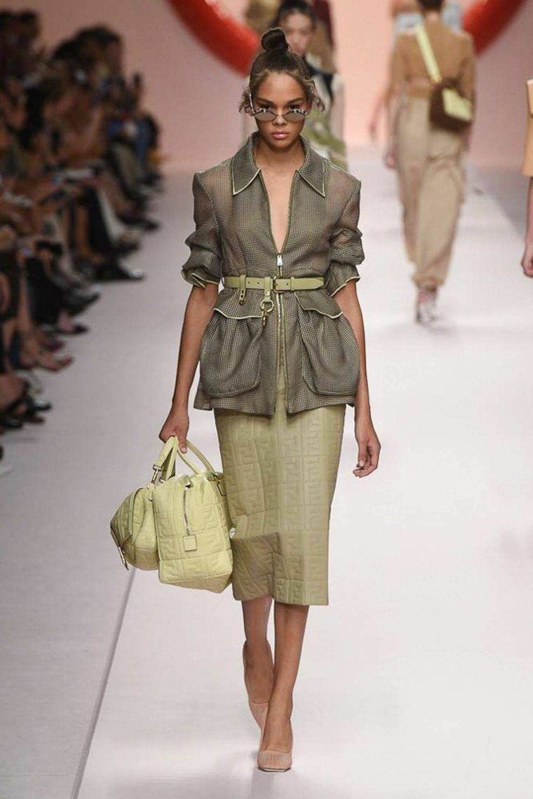 tendencias-primavera-verano-2019-diseno-Fendi-ropa-pasarela