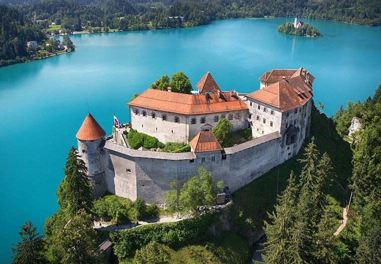 Castillo-Bled-Eslovenia-boda-ideas