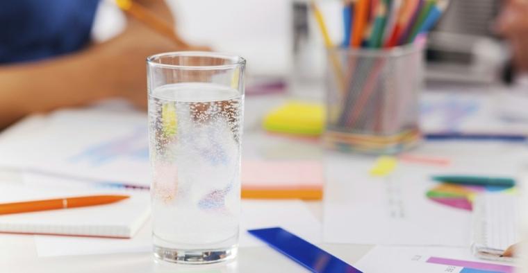 beber-mucha-agua-beneficios-ideas-consejos