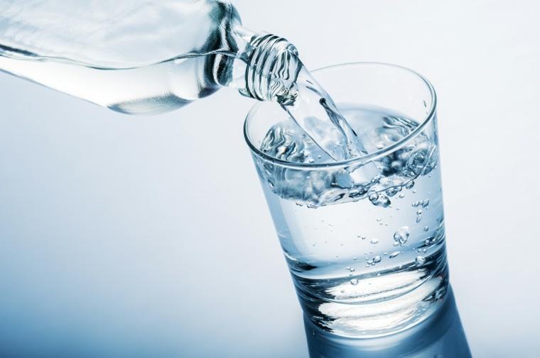 beber-mucha-agua-beneficios-ideas-salud