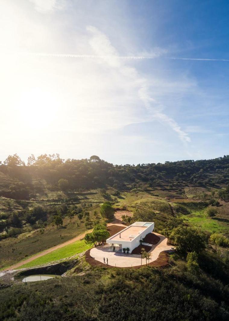 Casas en la playa, un magnífico ejemplo de residencia vacacional en Messines