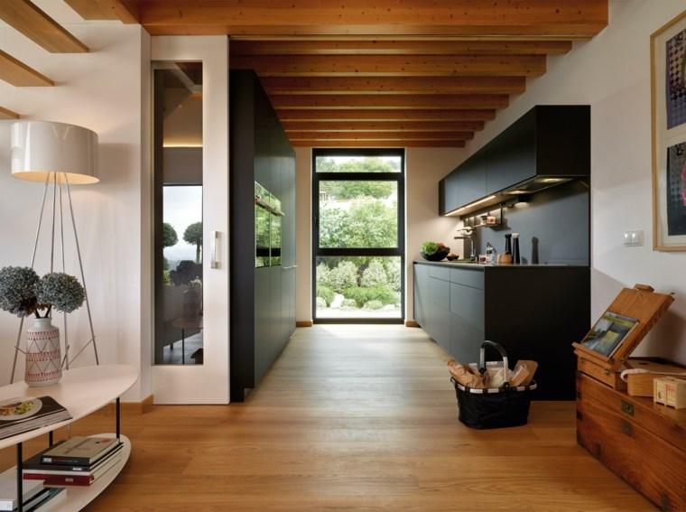 cocina-negra-muebles-estilo-estrecha-negra