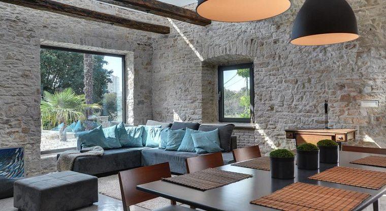paredes-piedra-sala-estar-estilo-diseno