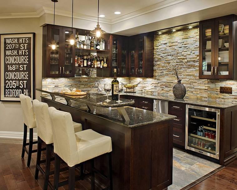 piedras-decorando-pared-cocina