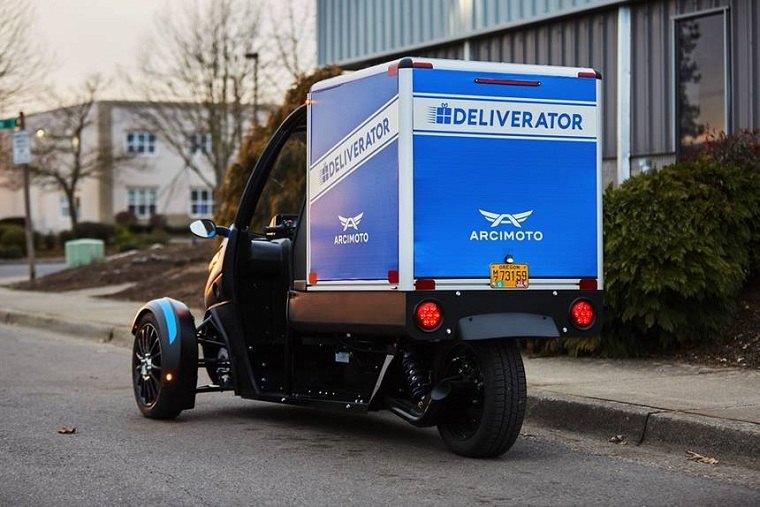 Deliverator-moto-electricas-cuidad-translado