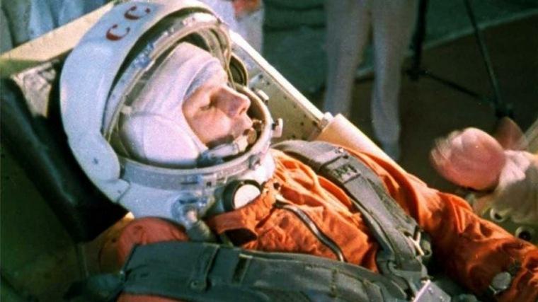 Yuri Gagarin primer hombre