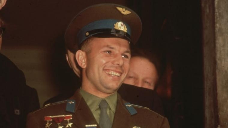 Yuri Gagarin vuelta a la tierra