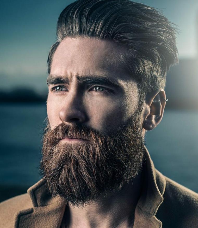 cabello-hombre-pompadour-color-castano-barba-larga