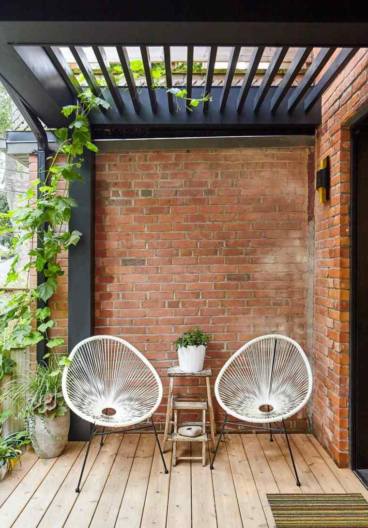 casa-con-jardin-diseno-kinswater-construction-ideas
