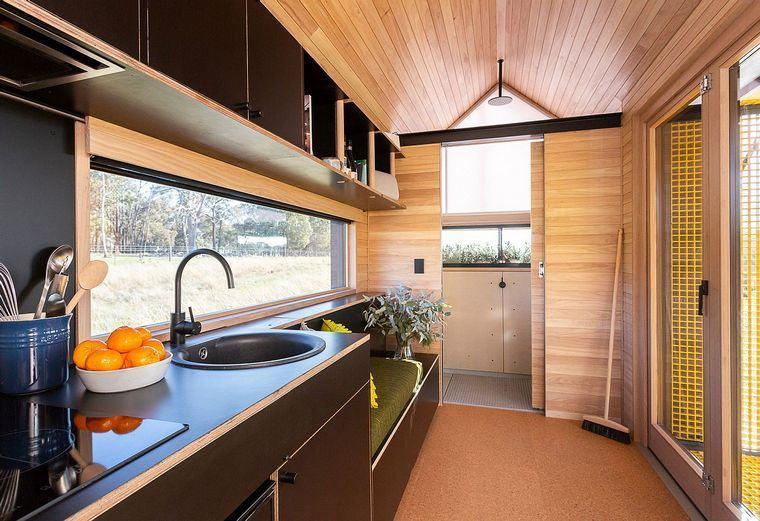 casa-modular-amueblada-cocina-sala-estar