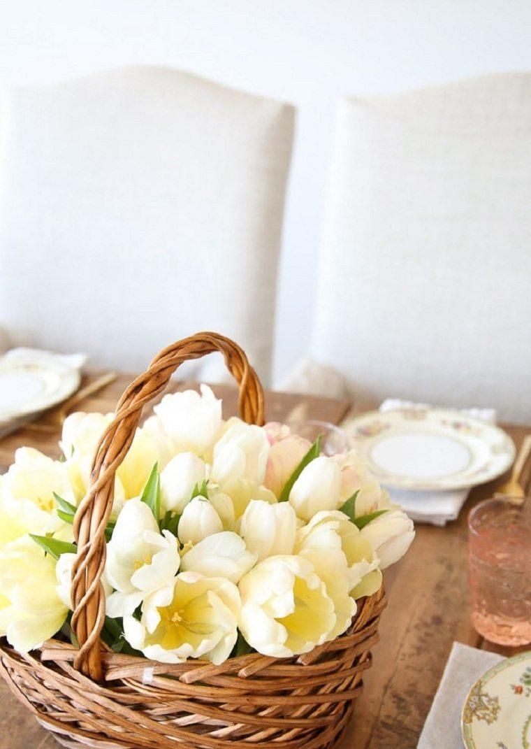 centro-mesa-tulipanes-cesto-ideas