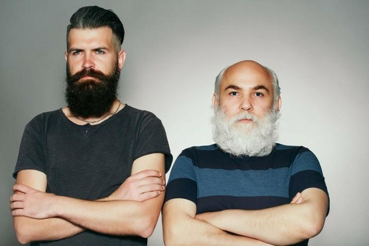 dos hombres con barbas