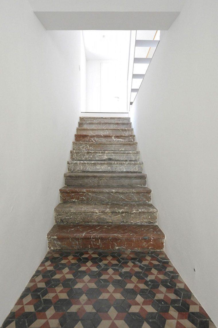 escaleras-casa-marmol-viejo